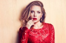 scarlett-johansson-red-lips-wide