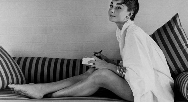 audrey-hepburn+out