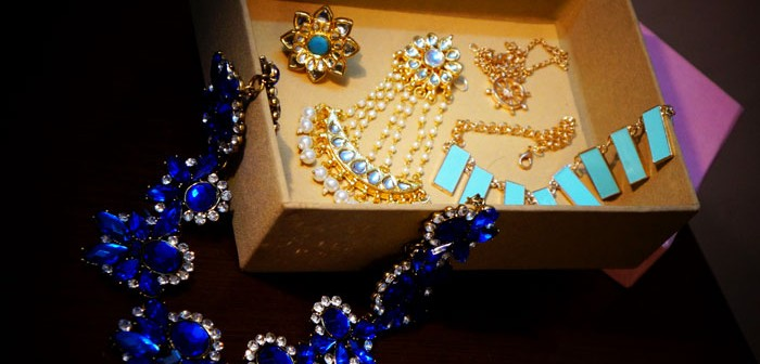 Zotiqq-October-Jewelery-Subscription-Box-Products-Review-Price