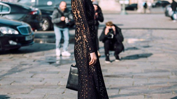 how-to-wear-black-lace-dress-600x600