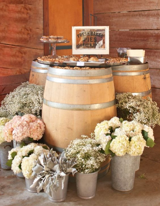 rustic-country-barn-wedding-decor-ideas