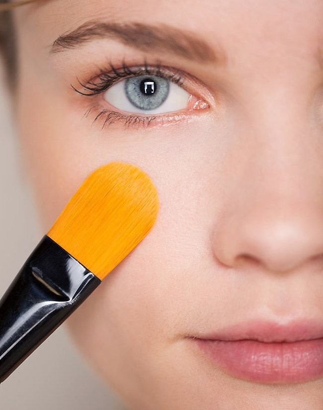 How-to-Wear-Foundation-When-You-Have-Oily-Skin