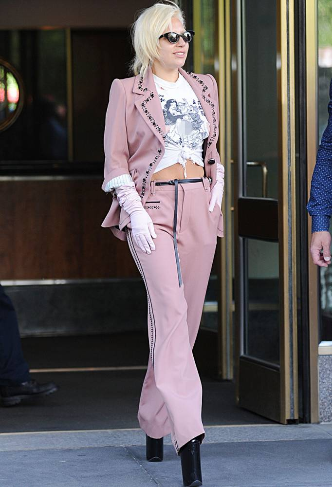Mandatory Credit: Photo by Everett/REX Shutterstock (4881374e) Lady Gaga Lady Gaga out and about, New York, America - 25 Jun 2015 Lady Gaga leaving her apartment