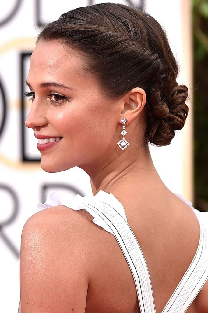 hbz-bridal-hair-sculptural-shiny-alicia-vikander-getty