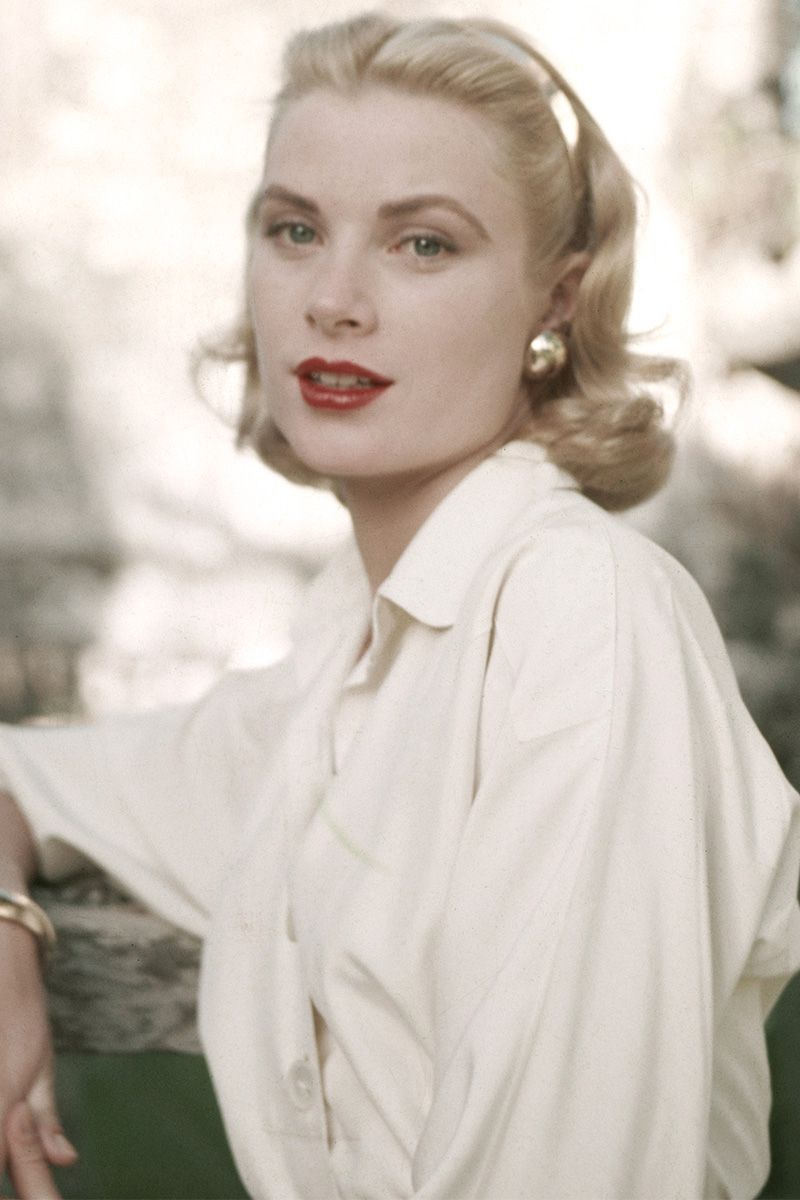 hbz-women-who-married-into-royalty-grace-kelly-gettyimages-481383667-1525297792