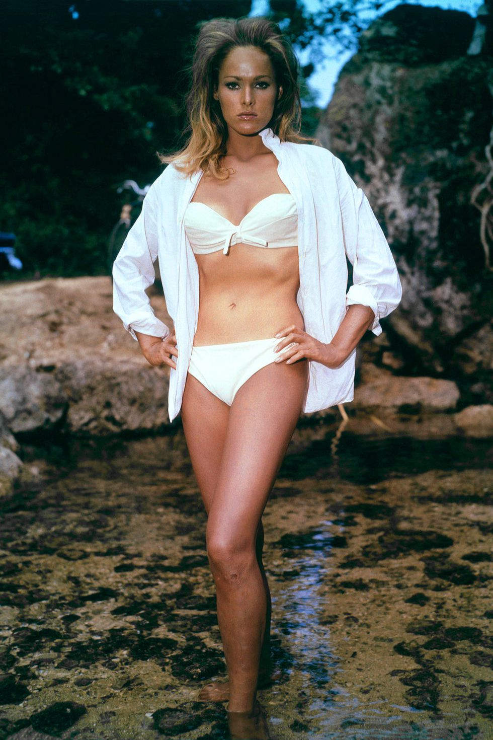 hbz-iconic-swimsuits-in-movies-ursula-andress-dr-no-1527791201