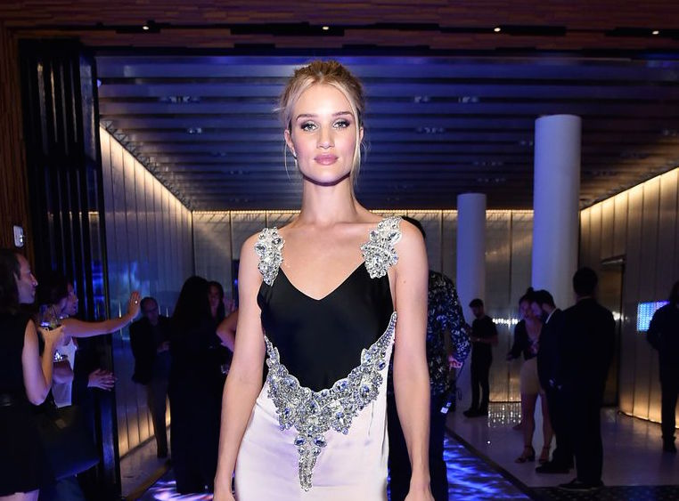hbz-the-list-best-dressed-0817-rosie-huntington-whiteley-gettyimages-1016824634